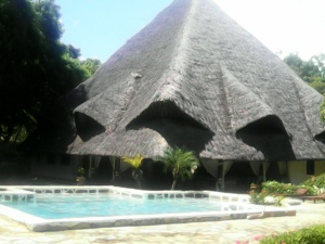 Oceanfront Malindi Cottage, 4-BR-Beautiful-holiday-villa-to-rent-in-Malindi-Kenya-on-the-Beach.
