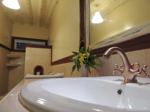 4 bedrooms villa for sale in Malindi all en-suite, High Quality property for sale in Kenya in Malindi